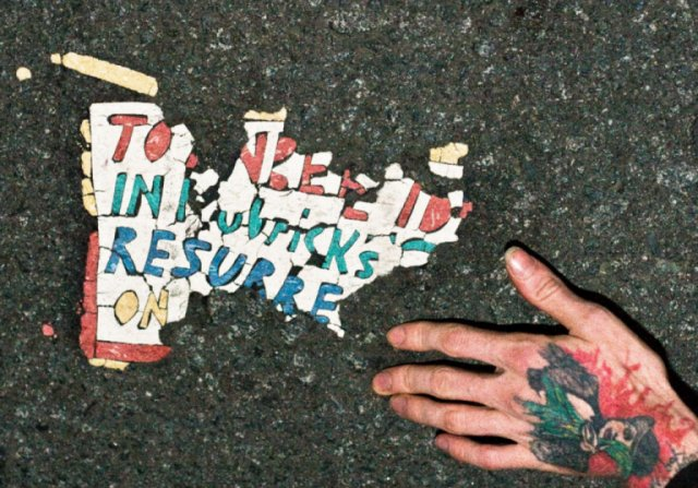 Resurrect Dead: The Mystery Of The Toynbee Tiles still